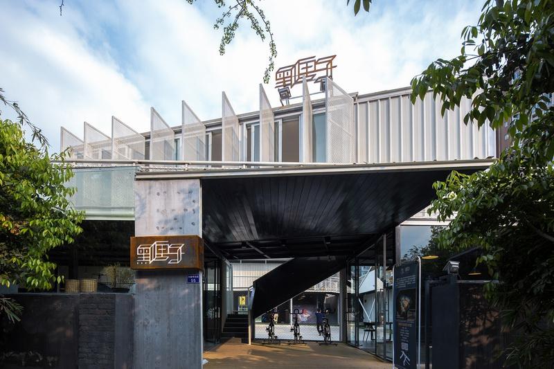 成都黑匣子运动馆 Black Box Gym by 合什建筑(HAD)& 朴诗建筑(Epos Architects)