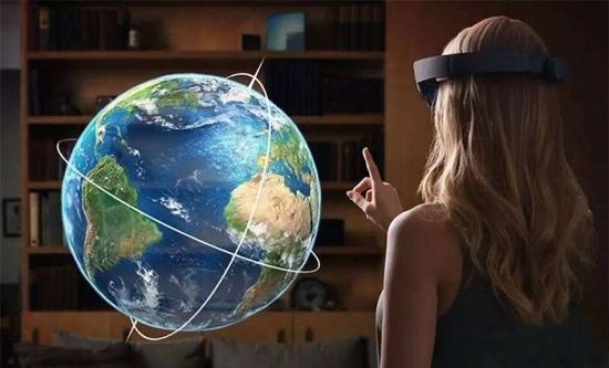 VR体验馆他心疼:VR和AR有什么区别反正你?